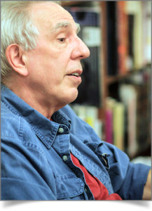 Headshot of author and editor Peter Gelfan